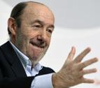 Rubalcaba advierte a Rajoy de que sus reformas se pueden parar y lo harán