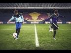 Un jugador de 15 años derrota a Neymar con la consola y el balón