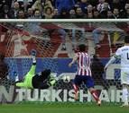 Cristiano salva el liderato del Madrid en un derbi vibrante