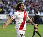 El Rayo Vallecano gana al Almería y aprieta la lucha por el descenso