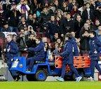 Víctor Valdés sufre una rotura del ligamento cruzado