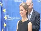 Arias Cañete traspasa la cartera de Agricultura a Isabel García Tejerina