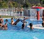 Habilitado el aparcamiento gratuito junto a las piscinas de Aranzadi