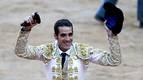 Pepe Moral aporta el toreo y Padilla, el fervor del público