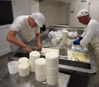 La quesería de Aspace comercializa 16.500 kg al año