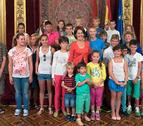 Recepción en el Palacio de Navarra a 18 niños ucranianos