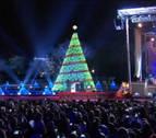 Los Obama inician la Navidad con el encendido del árbol