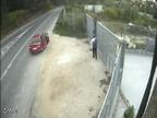 Difunden un vídeo del abandono de un perro en Pontevedra