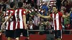 San José y Aduriz derriban al Barça y el Athletic acaricia la Supercopa