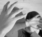 Un niño alerta a la Policía de la agresión a su madre por parte de su expareja