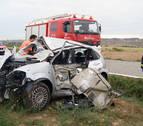 Herida grave una mujer tras chocar contra un camión en Miranda de Arga