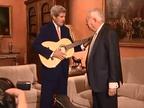 El accidente de Palomares centra el viaje de John Kerry a España