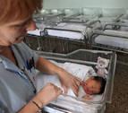 Navarra mantiene por solo 167 nacimientos su crecimiento vegetativo en positivo