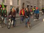 Las bicis y las rastas toman la Cámara Baja el primer día de legislatura
