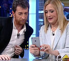 Cristina Cifuentes desvela que Mariano Rajoy no tiene Whatsapp