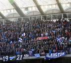 Los aficionados del Alavés agotan en menos de una hora las 450 entradas para El Sadar