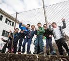 El Parlamento apoya construir un nuevo colegio en Sunbilla