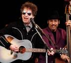 ¿Por qué las canciones de Bob Dylan no suenan como en sus discos?