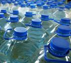 Aena exigirá agua embotellada a 1€ en tiendas y máquinas de 19 aeropuertos