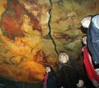 Aparecen pinturas rupestres de hace 64.000 años, realizadas por neandertales