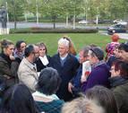 Rafael Santandreu planta a Civican y da su conferencia en la calle