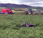 Fallece un pamplonés de 25 años al chocar su moto con un tractor en Lizoáin