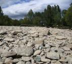 Cristales en las lindes del río Arga elevan las quejas en Pamplona