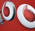 La OCU reitera su denuncia a Vodafone por el cobro en el servicio de atención al cliente