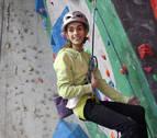 En la cima de la escalada con 16 años