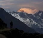 Nepal comienza a medir el Everest para ver si encogió durante el terremoto de 2015