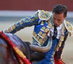 Rafaelillo cautiva con su verdad y Castella deja escapar un lote de triunfo