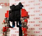 El CSIC reclama financiación para el primer exoesqueleto infantil del mundo