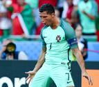 Un doblete de Cristiano mete a Portugal de puntillas en octavos