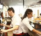 La hostelería balear subirá el sueldo un 17% en cuatro años