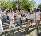 Un cohete deportivo y en femenino abrió las fiestas de Barañáin