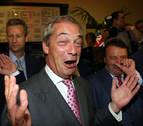 Farage exige la dimisión