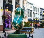 La magia de Dalí inunda las calles de Beverly Hills