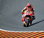 Márquez ataca, Rossi aguanta y Lorenzo se cae