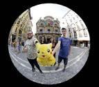Pokémon Go les atrapa en Pamplona