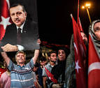 Erdogan amplía el periodo de arresto y cierra escuelas con el estado de emergencia