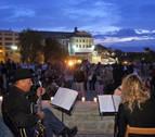 Música, vino y pinchos en el segundo paseo de la Muralla a la Luz de las Velas