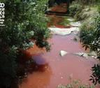 Detectado el origen del vertido que tiñó de rojo el río Juslapeña en Orcoyen