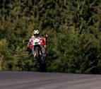 El italiano Andrea Iannone líder en la última vuelta