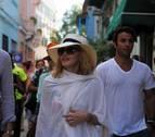 Madonna estrenó sus 58 años paseando por las calles de La Habana