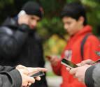 Dos menores, condenados a pagar 2.828€ por insultar a una compañera en WhatsApp