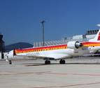 La niebla retrasa un vuelo y cancela otros dos en el aeropuerto de Pamplona