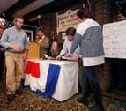 Clinton se impone en la localidad de Dixville Notch, la primera en votar en EE UU