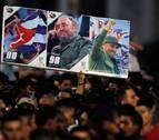 Los incondicionales de Fidel le dicen adiós frente a su pueblo cubano