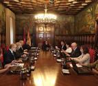 La extra y la subida salarial a funcionarios marcan el debate de Presupuestos en Navarra