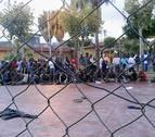 Un centenar de inmigrantes salta la valla en Melilla, con 3 guardias civiles heridos